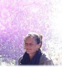 Marion-Porträt-Violett-Web